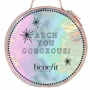 NWT benefit cosmetics round bag
